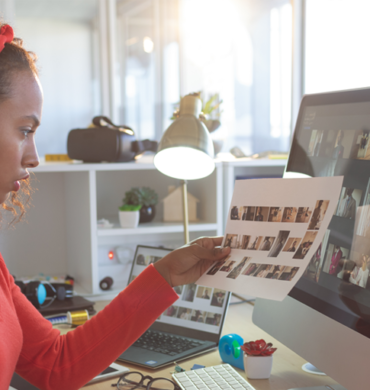 Why entrepreneurs and small businesses need to invest in professional graphic designers